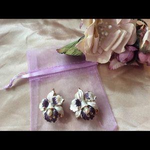 "Vintage Jewelry - Vintage WWII Waikiki Orchid Clip Metal Earrings 1"""